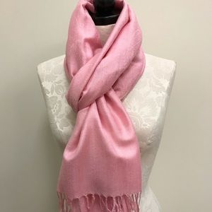 NWT Pashmina Pink Paisley With Sheen Scarf